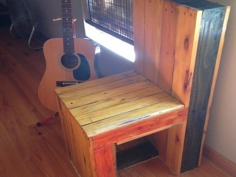 chair refurbich job wood pallets