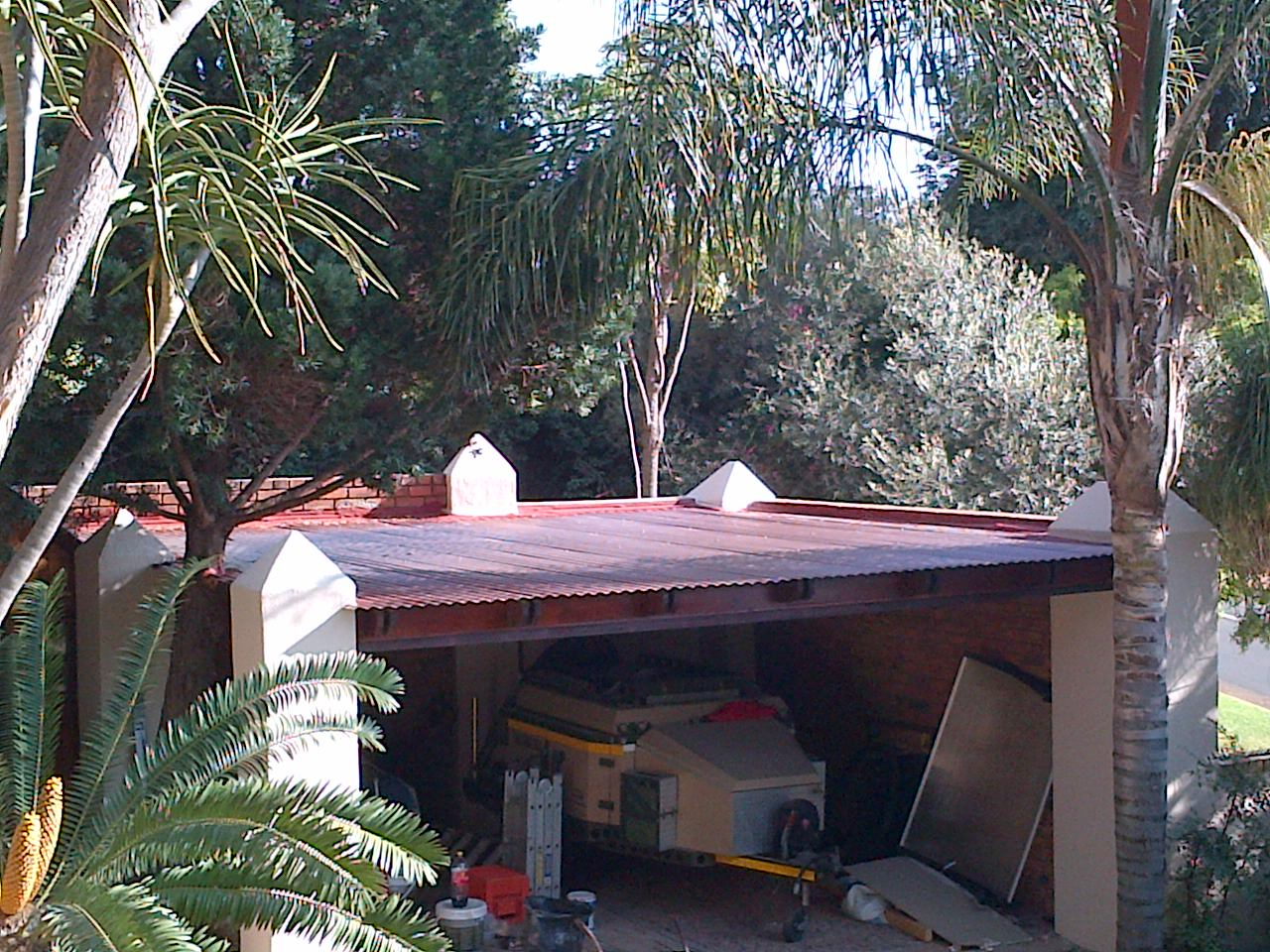 12GRHS-handyman-service-for-roof-replace-with-chromodec